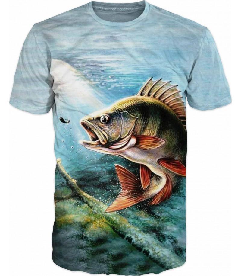 Риболовна тениска на риба в реката